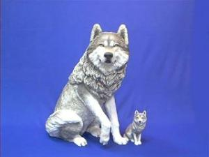 lifesize wolf figurine